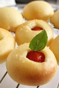 セモリナトマト - KOMUGIのパン工房