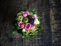 ワンちゃんの初七日に。タルト型アレンジメント。2018/07/29。 - 札幌 花屋 meLL flowers