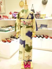 浴衣『雲と蝶』×デザイナーズコラボ半巾『白夜』 - 豆千代モダン 新宿店 Blog