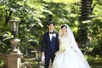 卒花嫁様アルバム 綱町三井倶楽部の花嫁様より スズランとバラのブーケ、夢のような結婚式から - 一会 ウエディングの花