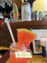 【ということで、アロハテーブルですいかジュース】 - お散歩アルバム・・暑い日には西瓜ジュース