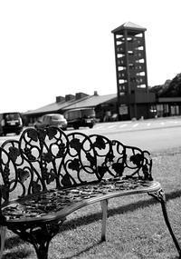 この夏は座ると火傷する鋼鉄ベンチと宿題着手 - 照片画廊