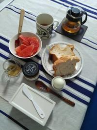 カワイイ朝食 - ささやかな刺繍生活