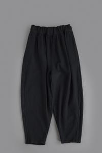 FIRMUM  Dobby Twill Denim Tapered Pants (Black Bio) - un.regard.moderne