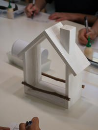 DIYワークショップ『ガーデニング用木のお家』8月の部が終了しました。 - CROSSE 便り