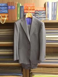 オリジナルウールモヘアでスーツです - Milestoneのブログ