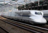 ハローキティ新幹線とパンダくろしお - きょうはなに撮ろう