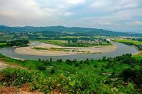 蛇行する信濃川(山本山) - くろちゃんの写真
