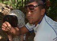 FijianTradテクニカルディレクターのトカイがフィジーからやって来る。 - Forestvita vivo vita..