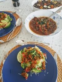 お昼は、タコライス*夏野菜のオーブン焼き - E*N*JOY