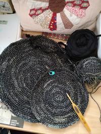 サークルバッグを編み始めました - ニットの着樂