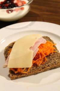 ヨーロッパの朝ごはん - launa パンとお菓子と日々のこと