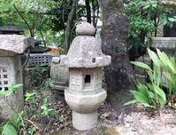 創作形八角石燈籠 - 男のロマンは女の不満