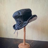 8月の空飛ぶ帽子店 - 空飛ぶ帽子店