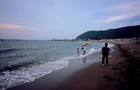 8月の浜辺(その2) - そぞろ歩きの記憶