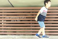 子どもが四葉のクローバーを探し出すスピード - from自由が丘 ベビー・キッズ・マタニティ・家族の出張撮影、say photography