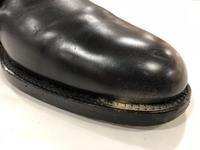 古靴あるある?【謎の粉編】 - 池袋西武5F靴磨き・シューリペア工房
