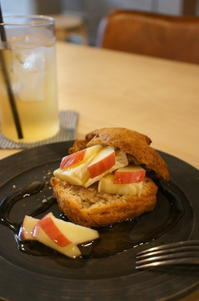カフェ*焼菓子 torinos - launa パンとお菓子と日々のこと