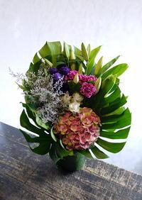 弟子屈町のお寺での法要に発送のアレンジメント。2018/08/12着。 - 札幌 花屋 meLL flowers