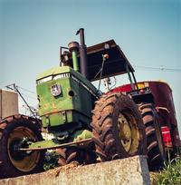 粛々とエイジングする牧場のJOHN DEERE - Film&Gasoline