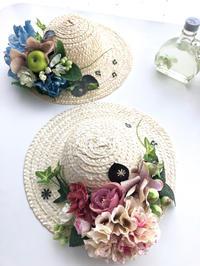 麦わら帽子のアレンジメント 花の色がない時 - **おやつのお花*   きれい 可愛い いとおしいをデザインしましょう♪
