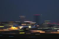 大阪空港夜撮の最終回は流し撮りのまとめ編 - スポック艦長のPhoto Diary