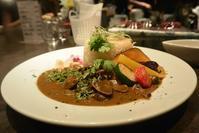 """お盆中はお客さん集中で大忙しのAyur""""babe""""Curry(アーユルベイブカレー) - 今日はなに食べる? ☆大阪北新地ランチ"""