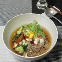韓国冷麺と秋刀魚のサラダ - Mme.Sacicoの東京お昼ごはん