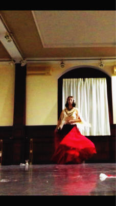 8月24日金曜日は奈良レイクフォレストにて、奈良国際バレエ工房主催の夢コンサートに ゲスト出演します。 グリゾフスキーのジプシーを踊りますよ。 - 魔女はやんちゃなバレリーナ