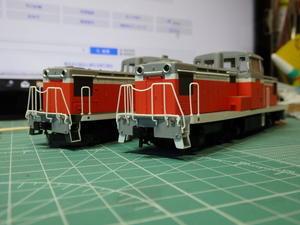 トラムウェイのDD13を塗り替える -