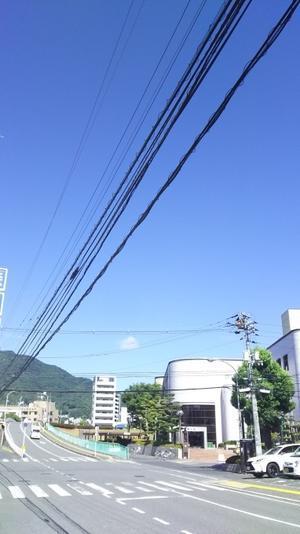 秋雨前線通過し、からっとした朝 - 広島瀬戸内新聞ニュース(社主:さとうしゅういち)