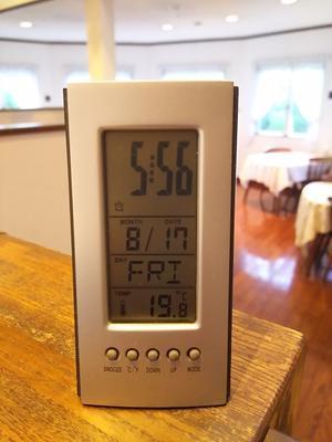 寒いです・・・暖房を入れました - 浅間高原・北軽井沢 ペンション・ローエングリンの高原日記