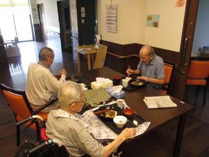 ユニット昼食レク - 社会福祉法人播陽灘 特別養護老人ホームいやさか苑