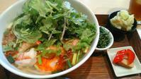 南国酒場『海老とサラダのベトナムフォー』 - My favorite things