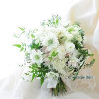 クラッチブーケ ロサンジェルスバルコニー様へ セルリアと西海岸風 - 一会 ウエディングの花
