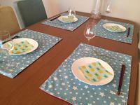 家族集合の貴重な時間 - ハッピーテーブル