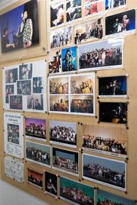 阿野音楽教室待合室にある写真。 - 阿野裕行 Official Blog