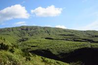 雄山へ - 三宅島風景