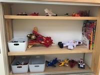 おもちゃと絵本の収納 - Busy Doing Nothing
