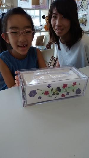 小学二年生の可愛らしい女子の押し花ティッシュケース? - 押し花コラージュ&アロマアドバイザー