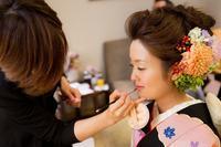 卒花嫁様アルバムパレスホテルの花嫁様よりあでやかに黒引き振袖の花の髪飾り - 一会 ウエディングの花