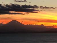 葉山で過ごす夏休み美しすぎる夕日と「ピスカリア」① - Coucou a table!      クク アターブル!