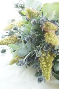 ワンランク上のサマーブーケ - お花に囲まれて