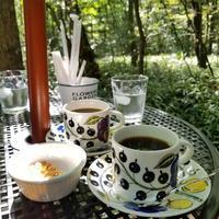 NONE cafe 軽井沢 NewOpen!* 湯川のせせらぎを眺めながらいただく珈琲♪ - ぴきょログ~軽井沢でぐーたら生活~