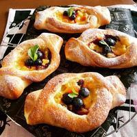 ブルーベリーカスターとワンプレートとククちゃん - カフェ気分なパン教室  ローズのマリ