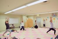 本日の親子ヨガの様子... - emi yoga (エミ ヨガ)始めます(^-^)