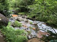 赤岳鉱泉と赤岳 - じゅんりなブログ