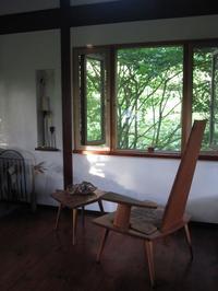 一人の椅子 - ギャラリーファブリル