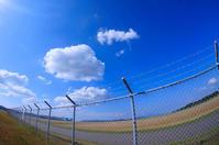青い空と白い雲。 - 青い海と空を追いかけて。