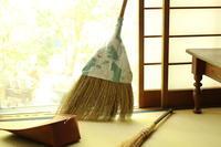 わたしのお掃除には欠かせないほうき - キラキラのある日々